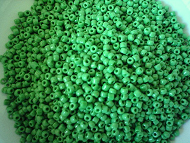 Size 8 seed beads Opaque green 15 grams