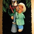 Hallmark Keepsake Christmas Ornament The Lamplighter 1993 Victorian Bear Street Lamp GB ~*~v