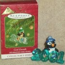 Hallmark Keepsake Christmas Ornament Cool Decade 2001 Penguin COLORWAY FB ~*~v