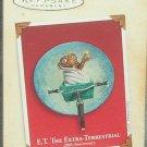 Hallmark Keepsake Christmas Ornament 2002 ET the Extra-Terrestrial Alien GB ~*~v
