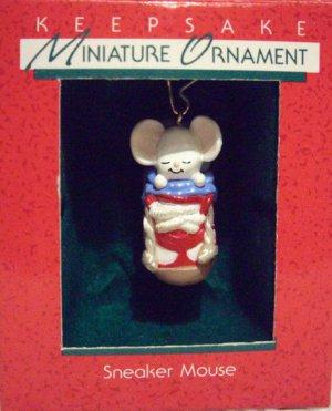 Hallmark MINIATURE Keepsake Christmas Ornament Sneaker Mouse 1988 Sleeping Patriotic Mouse GB ~*~