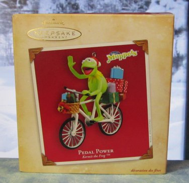 Hallmark Keepsake Christmas Ornament 2004 Pedal Power Kermit the Frog on Bicycle Muppets GB ~*~