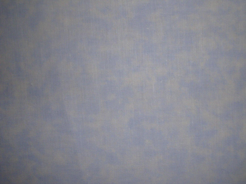 F8 Santee Blender Mottled Light Baby Blue Cotton Quilt Fabric Fat Eighth F8th