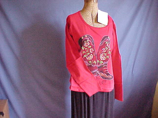 Cowboy boots design top great color for jeans. Size Medium