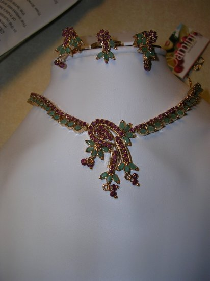Semi-precious Necklace Set