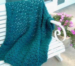 HAND CROCHETED AFGHAN BEAUTIFUL DEEP TEAL COLOR