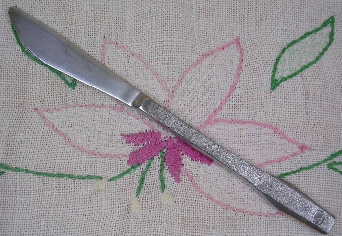 EASTERN AIRLINES KNIFE AVIATION STAINLESS FLATWARE SILVERWARE