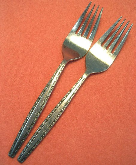 INTERNATIONAL INS174 INS 174  2 SALAD FORKS LUXURY STAINLESS FLATWARE SILVERWARE