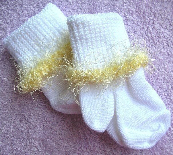 Yellow Eyelash Infant Socks