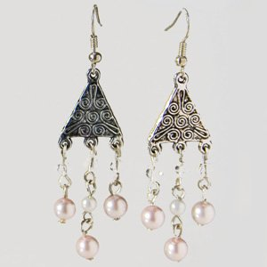 Chandelier earrings with pink beads