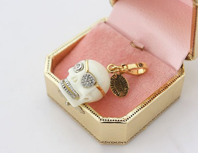 Juicy Couture 2010 Limited Edition Skull Charm