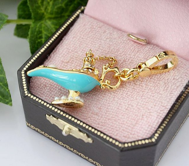 Juicy Couture Magic Genie Lamp Charm