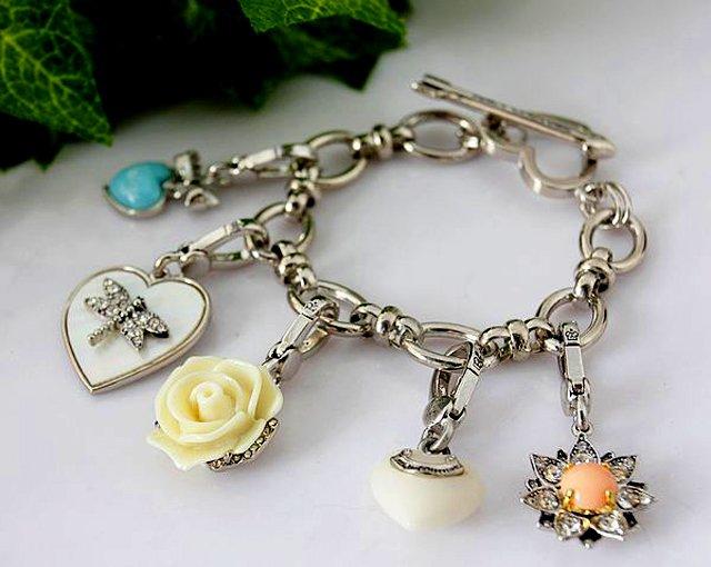Juicy Couture Boxed Charm Bracelet Set (Silver)