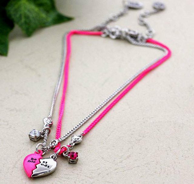 Juicy Couture 2011 Silver & Pink Girls' Best Friends Necklace