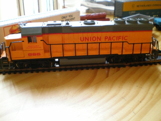 Bachman HO Union Pacific Diesel Locomotive EMD GP-40