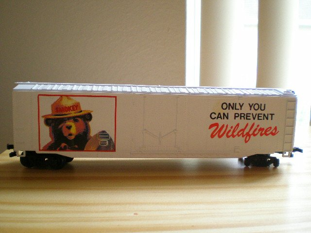 Bachman HO Smokey the Bear 50' Box Car