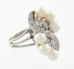 Diamonds, White Gold, Pearl Cocktail Ring (size 6)