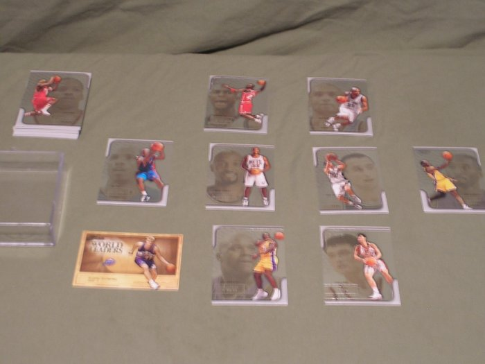 Lot of 30 NBA 2003-2004 Fleer Flair Trading Cards