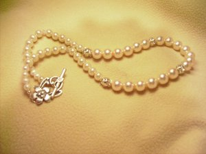 GLASS PEARL NECKLACE SET