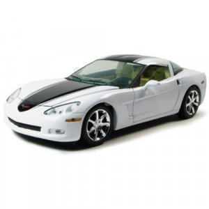 C6 2009 Corvette Arctic White with Black Stripe 1:24 Diecast