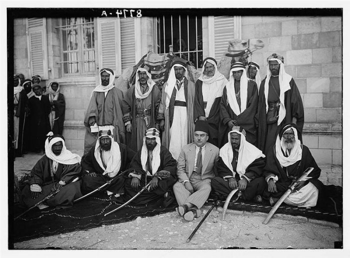 Palestine People,1917-1940s,CD 240 photos,Military,Civilians,etc.FREE SHIPPING.