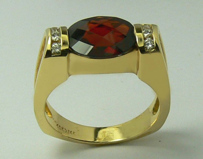 INCREDIBLE GARNET & DIAMOND RING 1CT