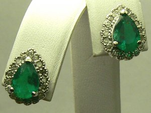 SPARKLY COLOMBIAN EMERALD & DIAMOND EARRINGS 3CTS