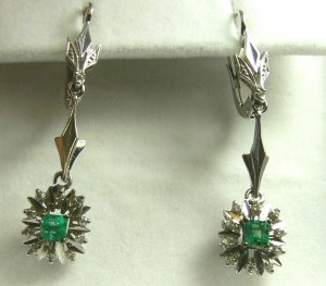 CLASSIC COLOMBIAN EMERALD & DIAMOND EARRINGS .50CTS