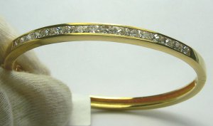 3.50tcw Glittering! Channel Set Diamond Bangle 18k Yellow Gold
