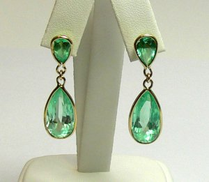 17.50tcw Radiant! Colombian Emerald & Gold Dangle earrings 14k