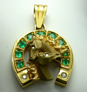 2.20tcw Fathers Day Ready! Colombian Emerald Diamond & Gold Horseshoe Pendant
