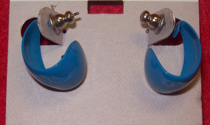 Costume Jewelry, a pair of  blue crescent shaped earrings