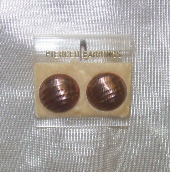 Fashion Jewelry,  Costume Jewelry, a pair of bronze tone button earrings w/ grooves