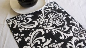 "TABLE SQUARE Damask White Print on Black Traditions Osborne 20"""