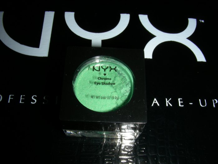 NYX CHROME EYESHADOW - GREEN