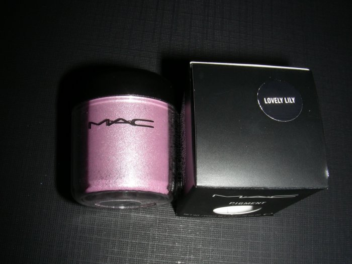 MAC LOVELY LILY LIMITED EDITION - PIGMENT SAMPLE