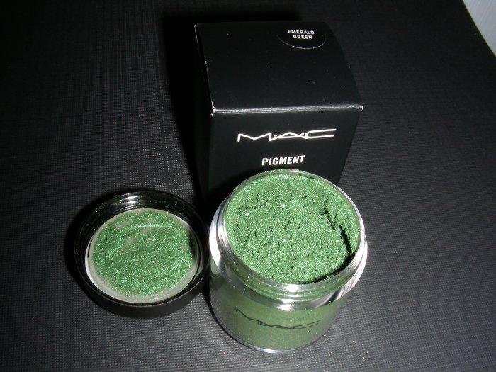 MAC EMERALD GREEN PRO - PIGMENT SAMPLE