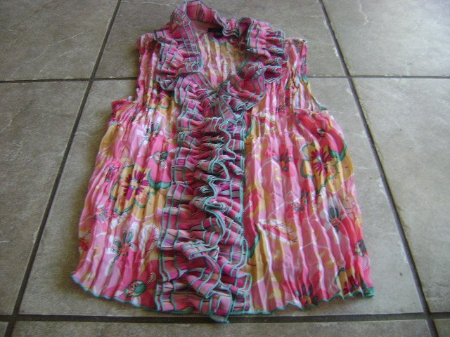 WOMENS size large piano sleeveless button down shirt nwt