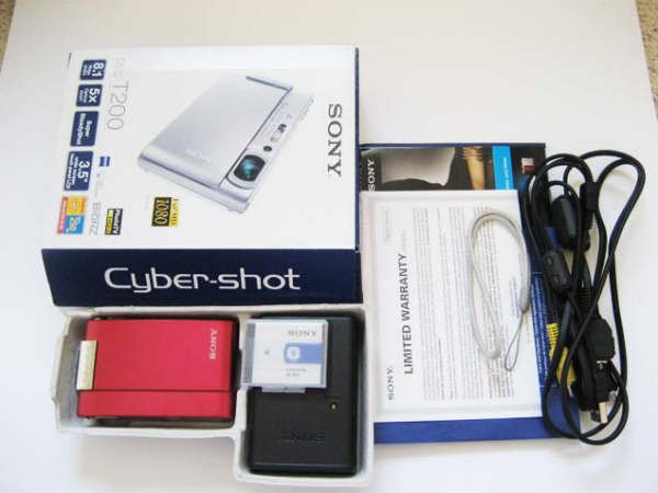 Sony CyberShot DSC-T200 8.1MP 5X Optical Zoom Red Color