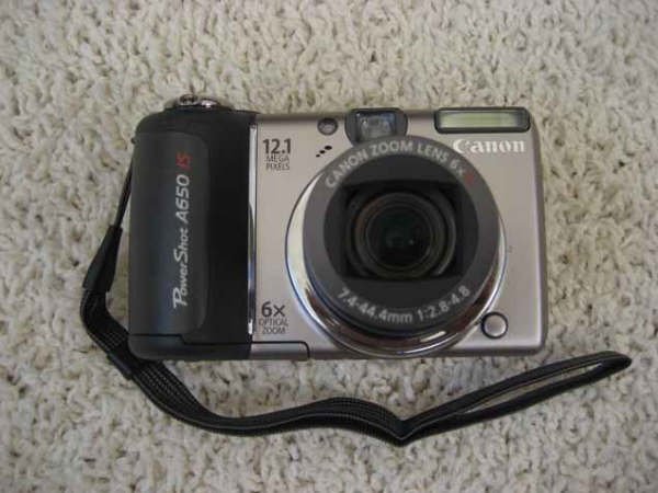 Canon A650 IS 12.1 Megapixels 6X Optical Zoom for parts or repair