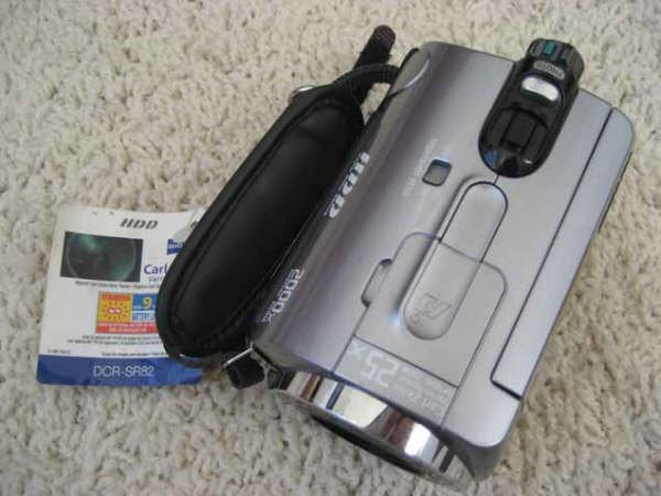Sony DCR-SR82 1.0MP 60GB Handycam Camcorder 25X Optical Zoom As-Is For Parts or Repair