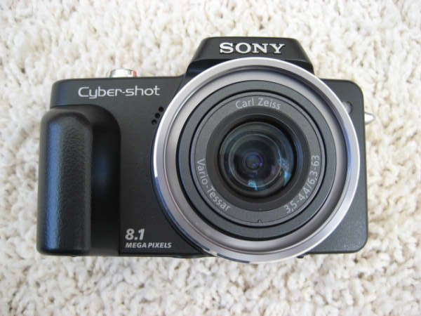 Cyber-shot DSC-H3 8.1MP Digital Camera 10x Optical Zoom for Parts or Repair