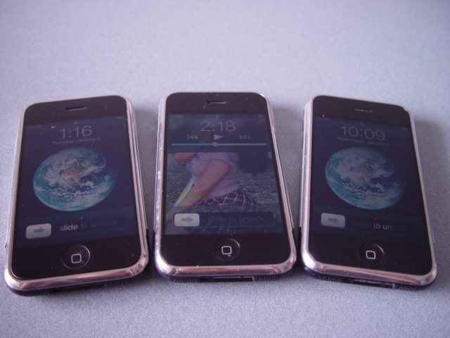 Lot of 3 Apple Iphone 2G 8GB Unlocked