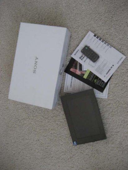 """Sony DPF-V900 9"""" Digital Photo Frame 512MB internal memory HDMI output"""