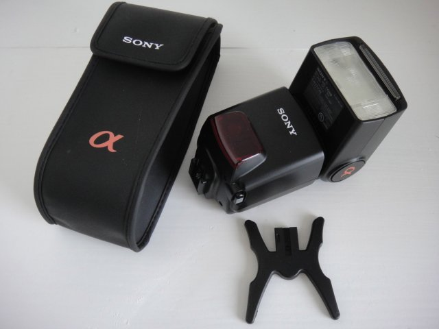 Sony HVL-42AM Flash for Alpha DSLR Digital Camera