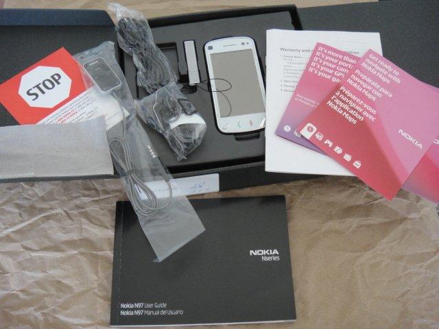 Unlocked Genuine Nokia N97 White Full Keyboard Symbian UI GSM Wifi 5.0 AF Carl Zeiss A-GPS 3G FM