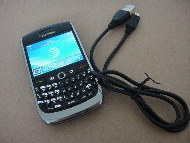 AT&T Blackberry Curve 8900 Wifi Bluetooth Full Keyboard Video Camera