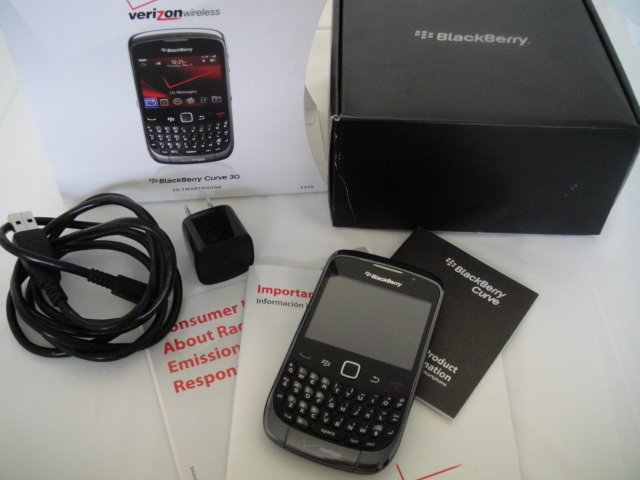 Verizon Blackberry Curve 9330 3G Wifi Bluetooth Full Keyboard Video Camera Clean ESN