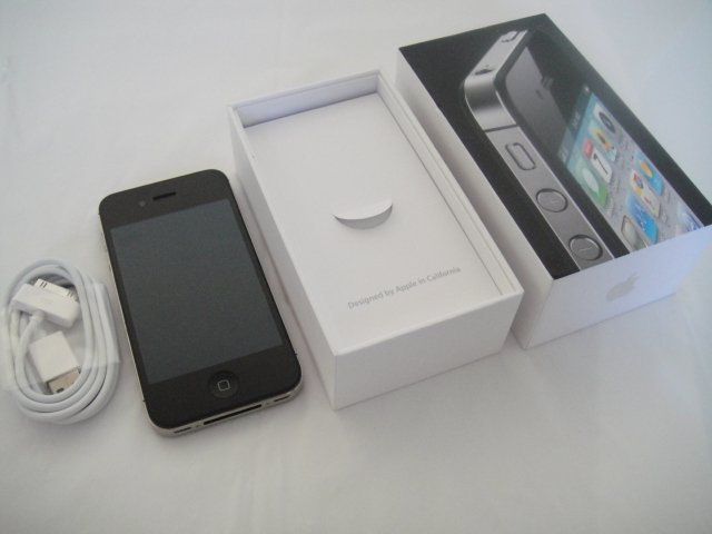Verizon Iphone 4 16GB Black CDMA Retina Display iOs Wifi GPS S/N C8RFDSNDDDP7