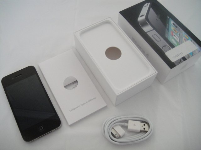 Verizon Iphone 4 32GB Black CDMA Retina Display iOs Wifi GPS S/N C8QF6QE4DDP9